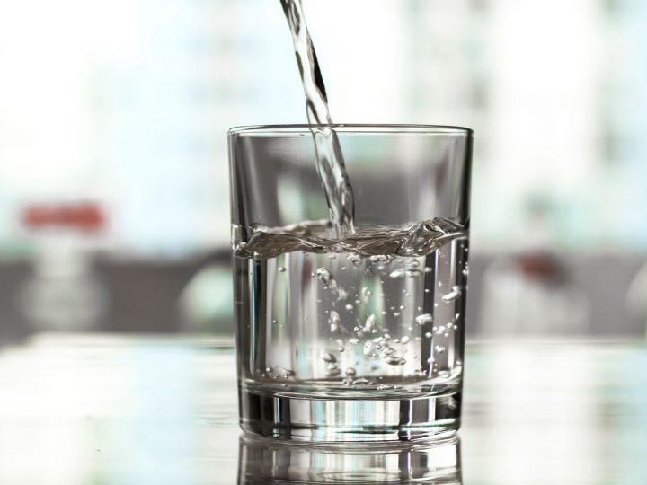 Purificador de água: vale a pena investir em um?